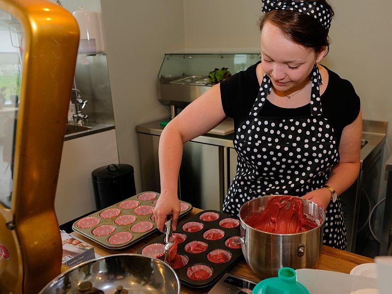 Banketbakker Emma van Latte Heart Coffee Cakes Schiedam